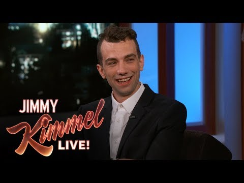 Jimmy Kimmel & Jay Baruchel Reveal Favorite Restaurants in Montreal