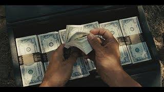 男子在黑帮火拼处捡到200万美金,从此过上了生死逃亡的日子