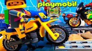 Playmobil, hora de aventuras con juguetes: motos de enduro y motocross motorbike. Juegos divertidos.