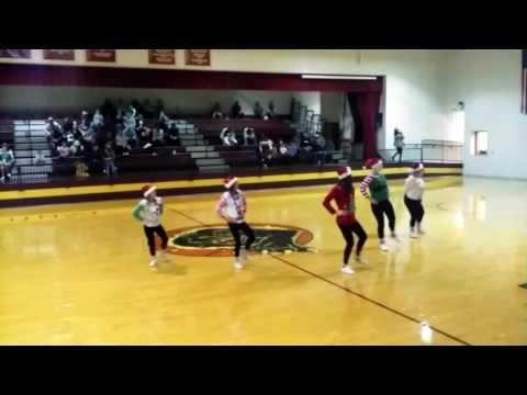 Porum high school Cheerleaders Fabulous 5 and their Christmas dance