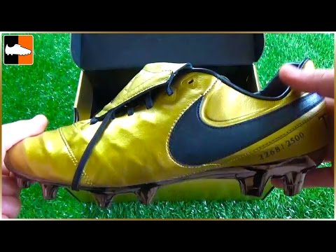 RARE Francesco Totti x Roma Nike Tiempo Legend 6 Boots