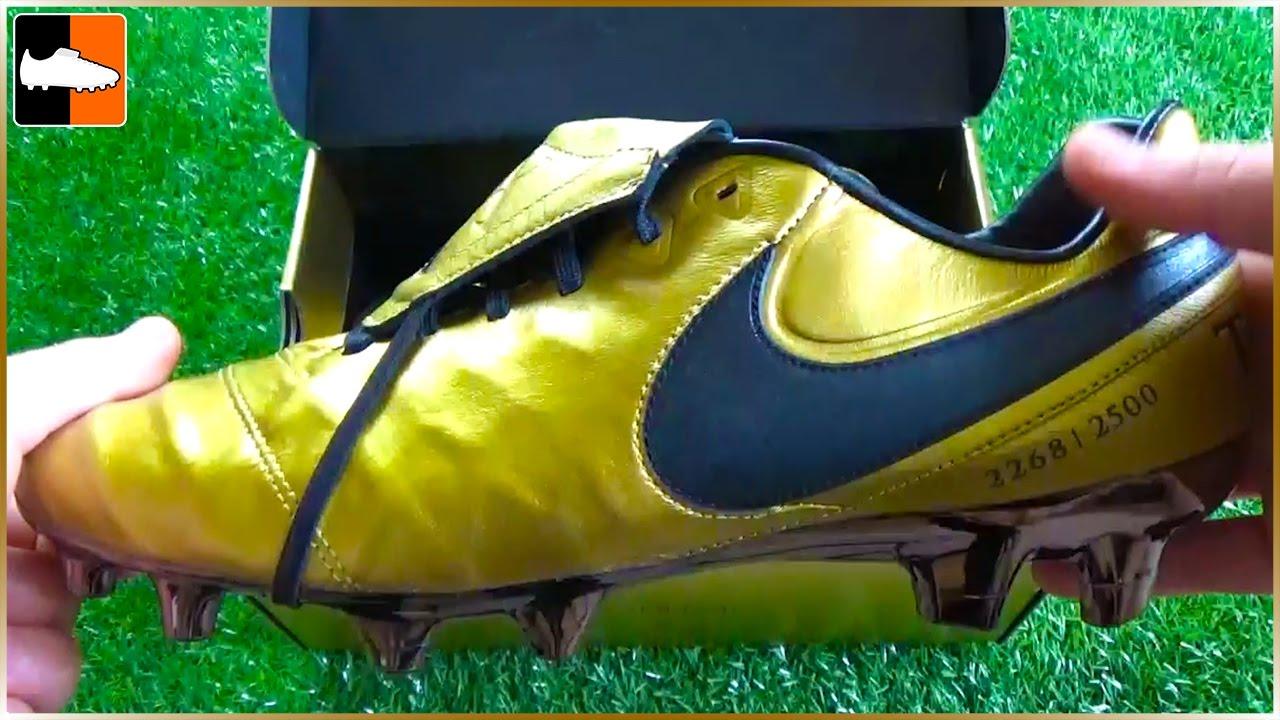 best service 1a4d4 8e8c7 RARE Francesco Totti x Roma Nike Tiempo Legend 6 Boots