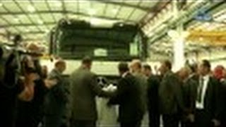 """خروج أول شاحنة تحت علامة """"مرسيدس بنز"""" من مصنع الرويبة"""