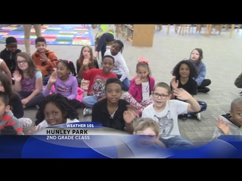 Rob Fowler visits Hunley Park Elementary School for Weather 101