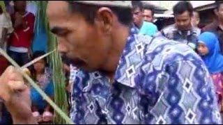 "Guru Adi - Atraksi Silat ""Lawang Sakepeng"" Pelangsian Sampit Kalimantan Tengah"