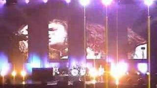 This is the place (Live Canada - 2003) - Red Hot Chili Peppers