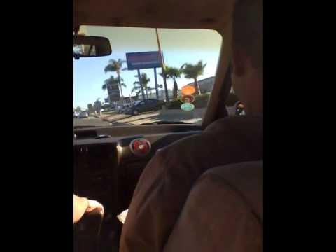Manejando por las calles de costa mesa CA