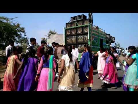 Gujrati Timli dance at lavara Archi Dj sanjeli Pragnesh Makvana dahod