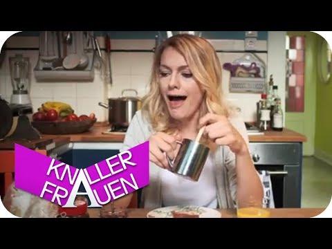 Schafherde am Frühstückstisch | Knallerfrauen mit Martina Hill