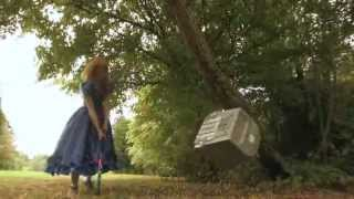 Lucy Rose smashes a TV for music video Scar.