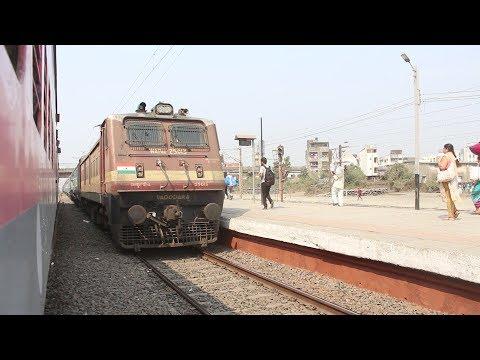 LHB v/s ICF : VERAVAL SF meet CHENNAI Express at VAPI!! Indian Railways!!