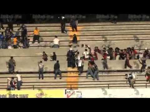 Pelea barra 51 vs resistencia albiazul y la seguridad estadio corregidora de queretaro