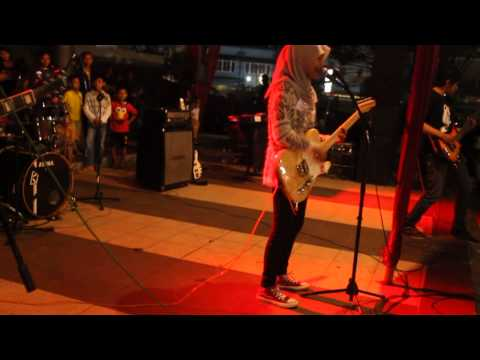 CRUDE PLAY - Sotsugyou [Cover by Vergazenth] at PURWOKERTOKYO (25/04/2015)