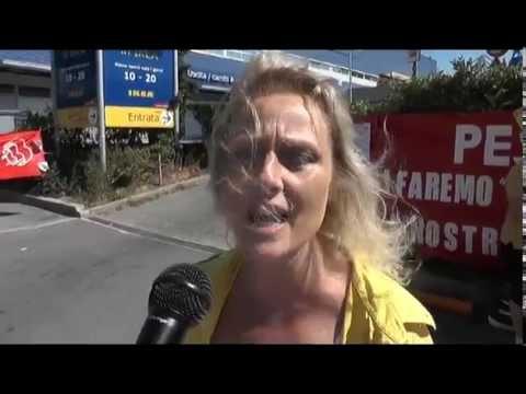 Protesta Dipendenti Ikea Noi Non Siamo Il Sottocosto Youtube
