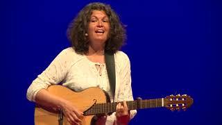 Sentir ce qui se vit en moi : Une clé pour ma santé | Marie Bodet & Caroline Gosselin | TEDxLaBaule