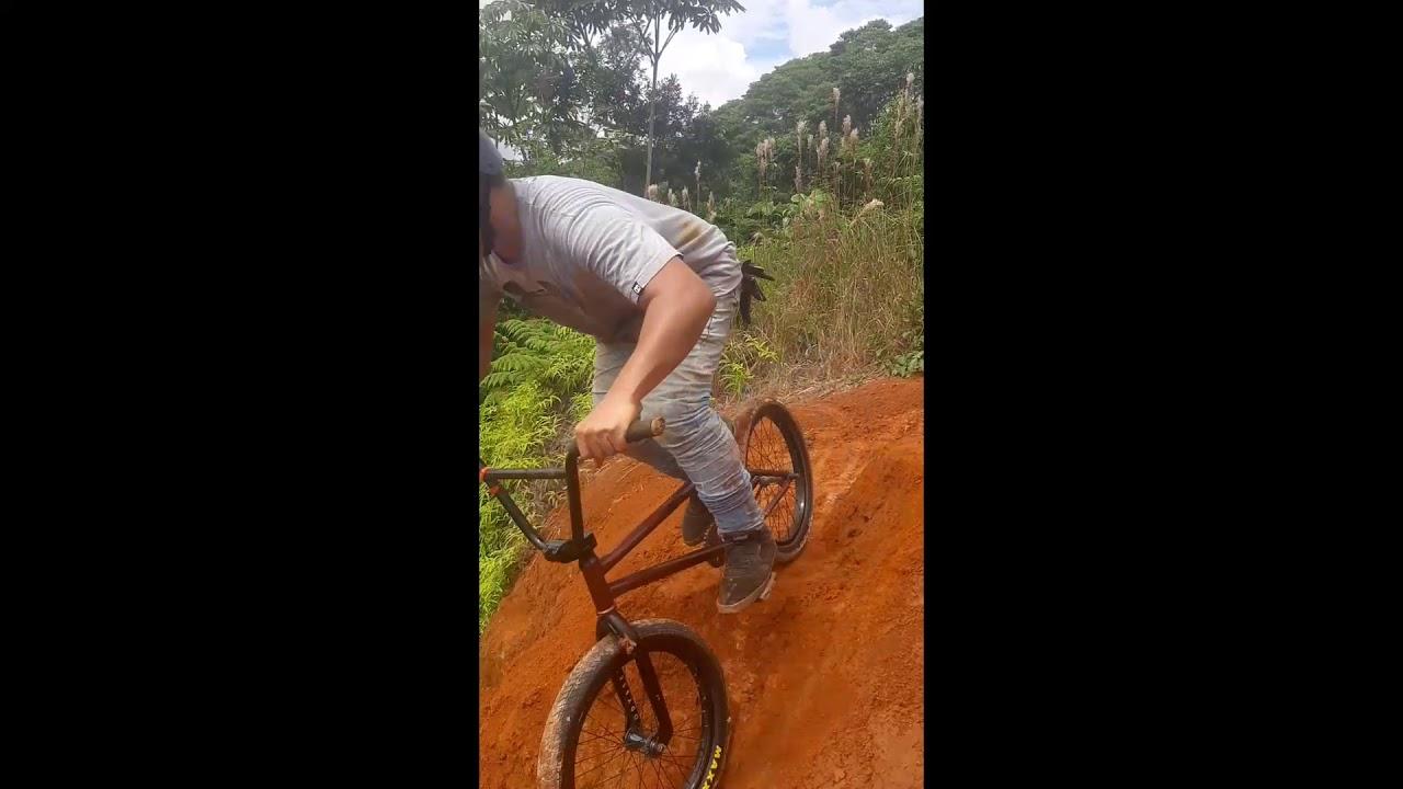Bmx freestyle (dirt jump) 🤯🔥🔥 - YouTube