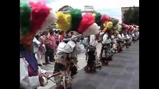 008 Danzantes matlachines en el Centro de Aguascalientes, México, agosto 6, 2006.