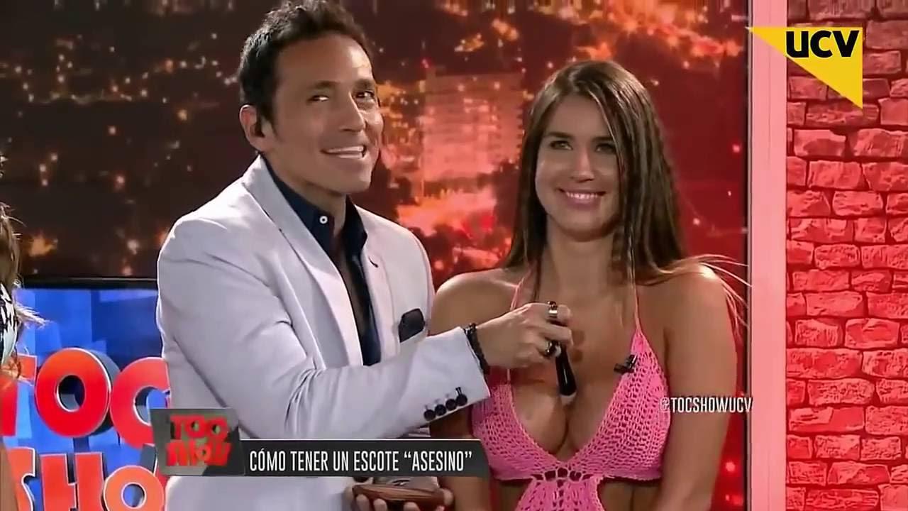 Toc Show Hot Sexy Fran Undurraga Ensena A Lucir Un Escote Asesino