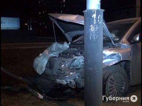 Неопытный водитель из-за невнимательности разбил четыре иномарки в Хабаровске.MestoproTV