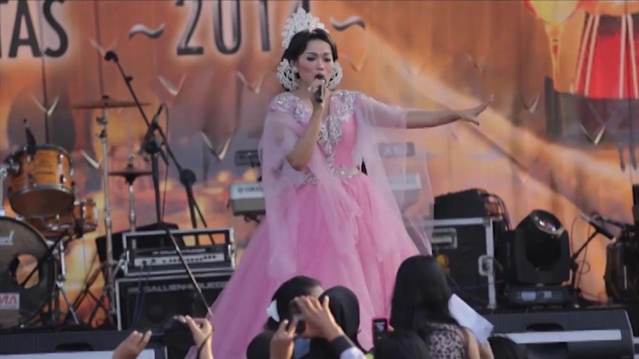 Pentas Akbar Musik Sunda Panaratas 2014