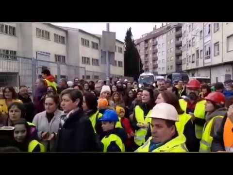 """Unhas 200 persoas reclaman """"seguridade"""" no Frei Luis de Grananda"""