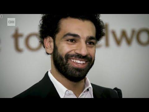 سي أن أن مع محمد صلاح أثناء إعداد بدلة حفل تتويجه بلقب الدوري الانجليزي