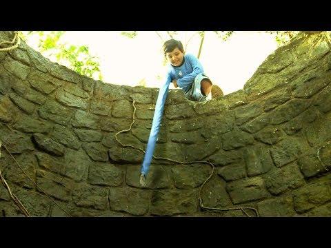 【穷电影】小男孩为了救被困枯井的好友,透露了自己身上一个不为人知的秘密