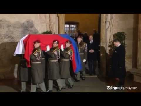 Vaclav Havel's remains taken to Prague Castle to lie in state