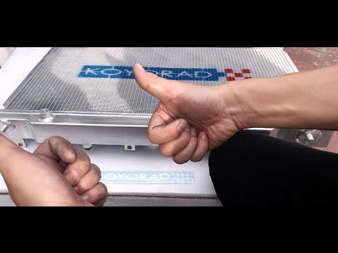 Civic Type R fk8 Unboxing & Installing Koyorad (radiator)