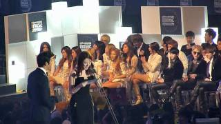 111129 MAMA 2011 SNSD - Artist of The Year - Stafaband