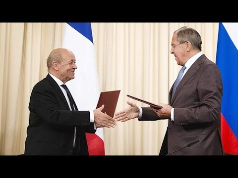 Глава МИД Франции Жан-Ив Ле Дриан призвал президента США Дональда Трампа, отреагировавшего на протесты в Париже, не вмешиваться во ...