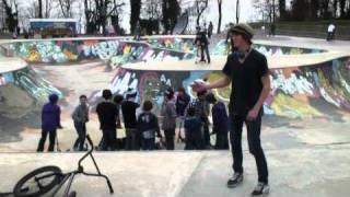 Turbosieste au skatepark / Turboschlaf im Skatepark