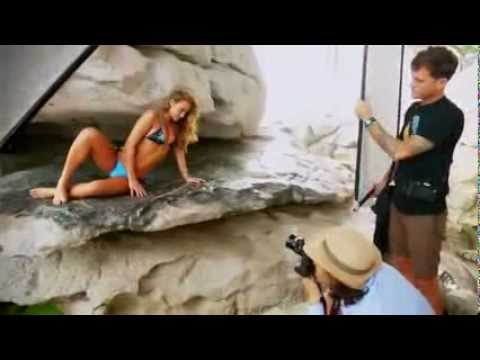 Hannah Davis: Sports Illustrated Swimsuit 2013 - In China