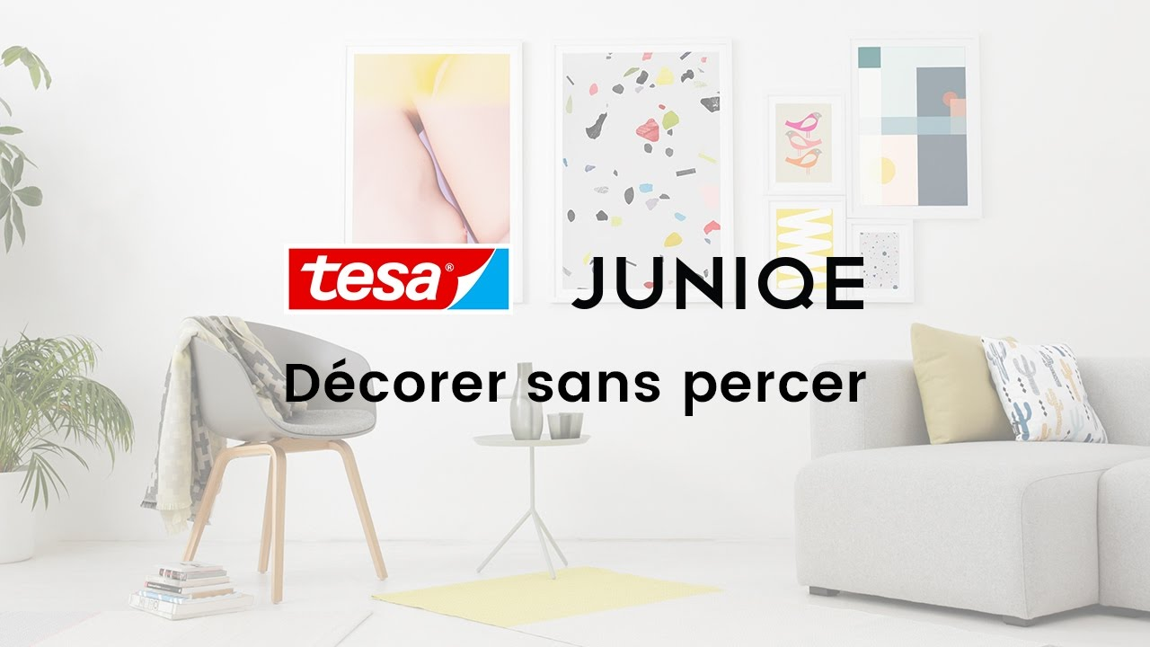 comment accrocher ou disposer un cadre sans clou 5 id es d co juniqe x tesa tutoriel vid o. Black Bedroom Furniture Sets. Home Design Ideas