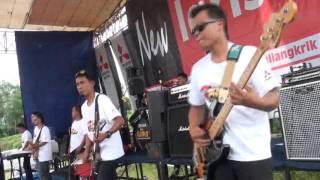 Video New Larista - Siapa - Live Dangdut Performance download MP3, 3GP, MP4, WEBM, AVI, FLV Desember 2017