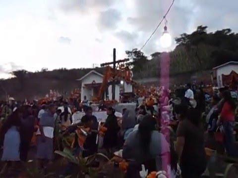 【YouTube】Día de Muertos-  Santuario de Xalpatlahuac. Gro. 2013