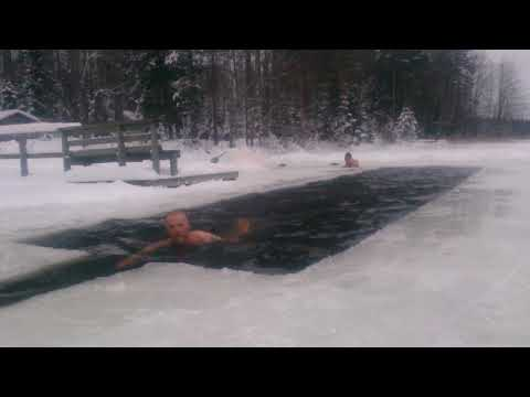 GENERAL MAKKONEN AVANTOUINTI  IS BADING  ICE SWIMMING