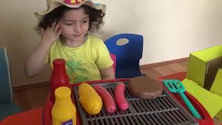 Furkan Hamburger Feyza Mangal Yapiyor | EĞlencelİ Çocuk Ve Bebek Vİdeosu| İkİz İ