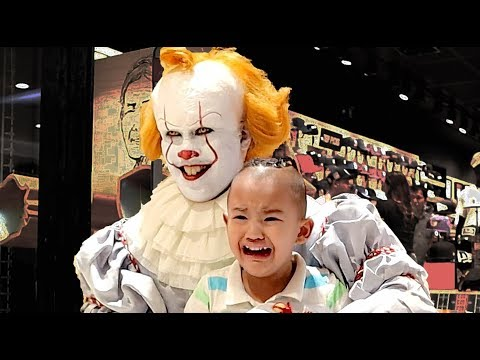 Pennywise Terrorizes Audiences Again! Mall Prank and Store Raid (New Era Caps)