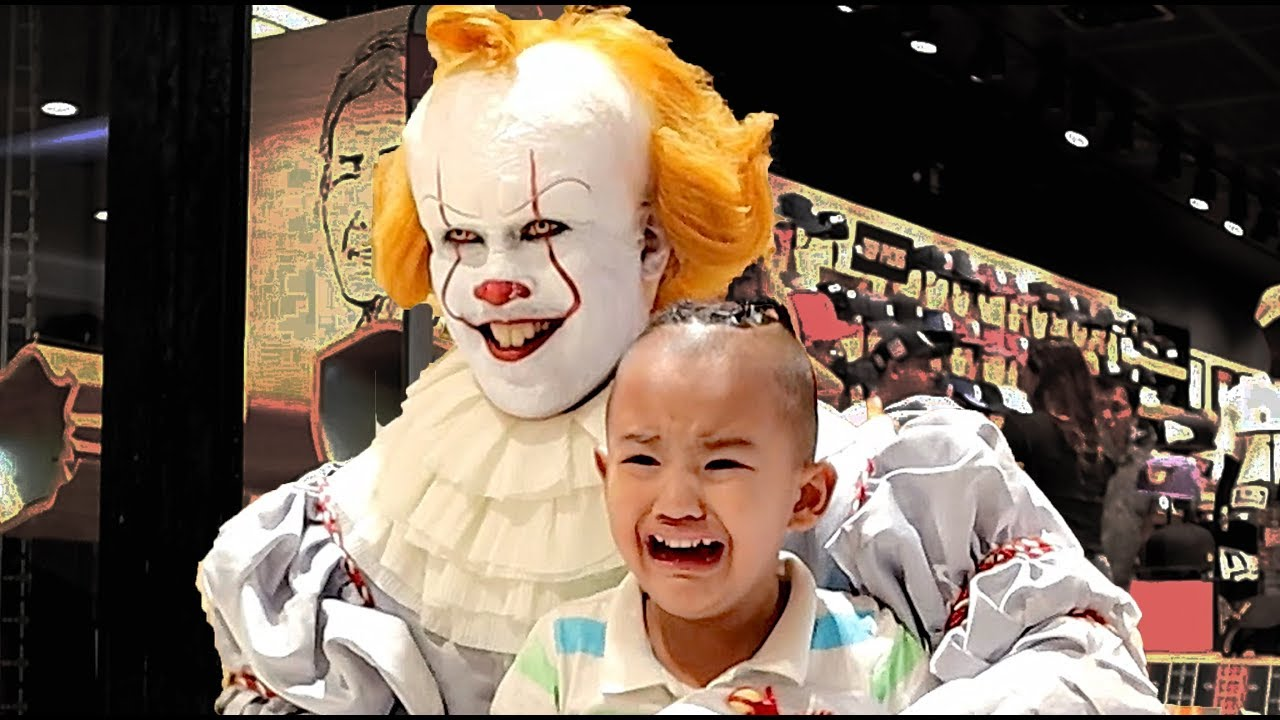 Download Pennywise Terrorizes Audiences Again! Mall Prank and Store Raid (New Era Caps)