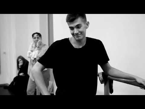 Урок классического танца на кафедре хореографии в СПбГИК