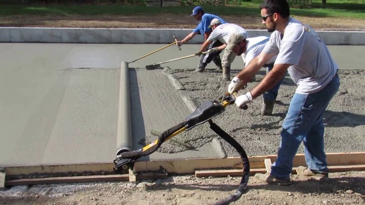 Curb Roller S Hydra Screed Easily Screeds Shed Floor Youtube