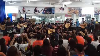 Quăng Phong cái boong from CLB Guitar Hutech