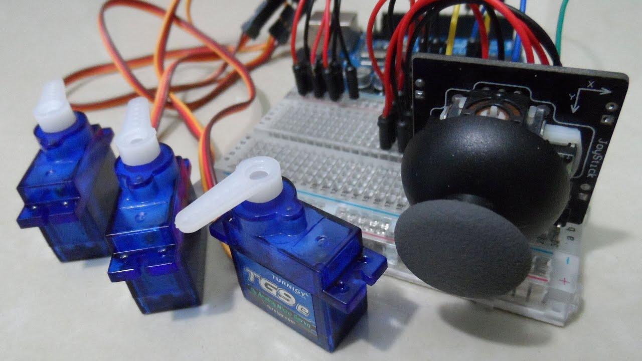 Controlando com 1 joystick 3 servomotores no Arduino.