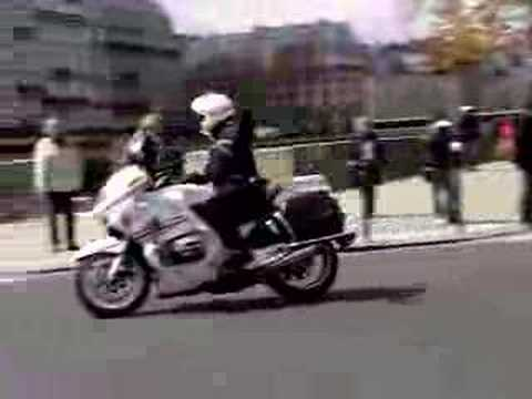 french police motorcycle paris france sirens motorcade youtube. Black Bedroom Furniture Sets. Home Design Ideas