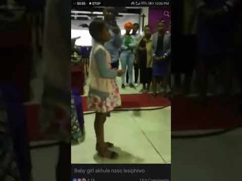 Ujesu uyalalela little girl