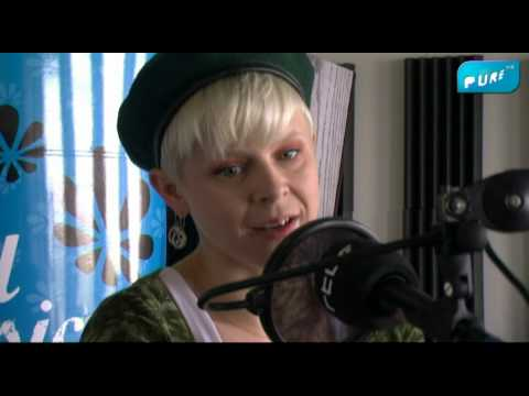 Pure Fm : Robyn Interview (HD)