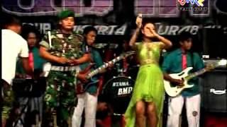 Video Dangdut Zulfikar Group,Jeddih tengah Madura, gara-gara senyuman Part 1 download MP3, 3GP, MP4, WEBM, AVI, FLV Agustus 2018