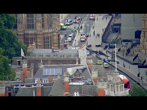 يورو نيوز:اصطدام سيارة بحواجز خارج البرلمان البريطاني يتسبب في إصابة عدد من المارة…