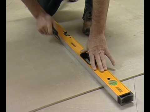 C mo instalar losas en el piso de una cocina parte 1 for Pisos para cocina